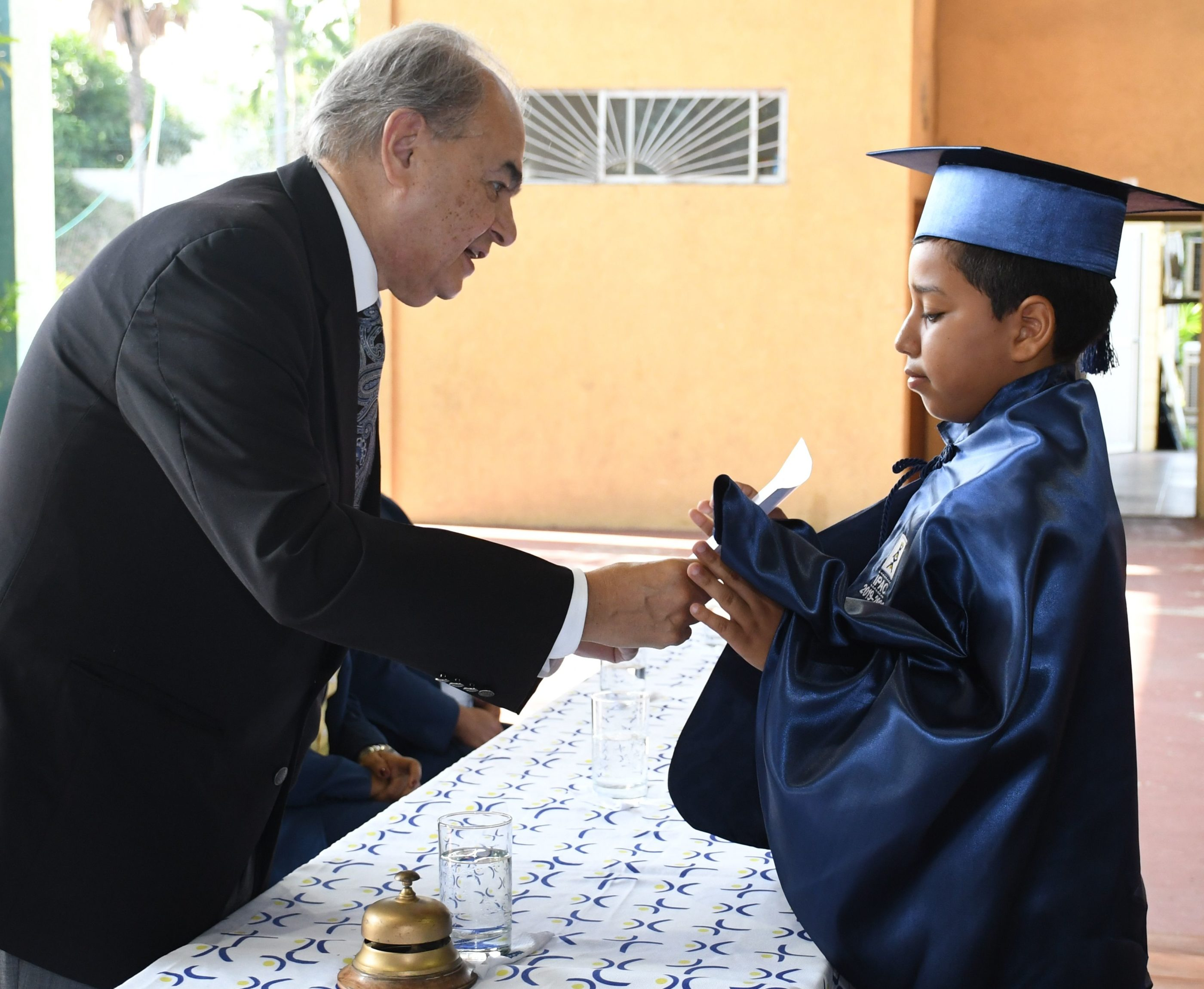 Entrega de Diploma al estudiante con m†s alto promedio en su trayectoria estudiantil Marcos Romero Zajia