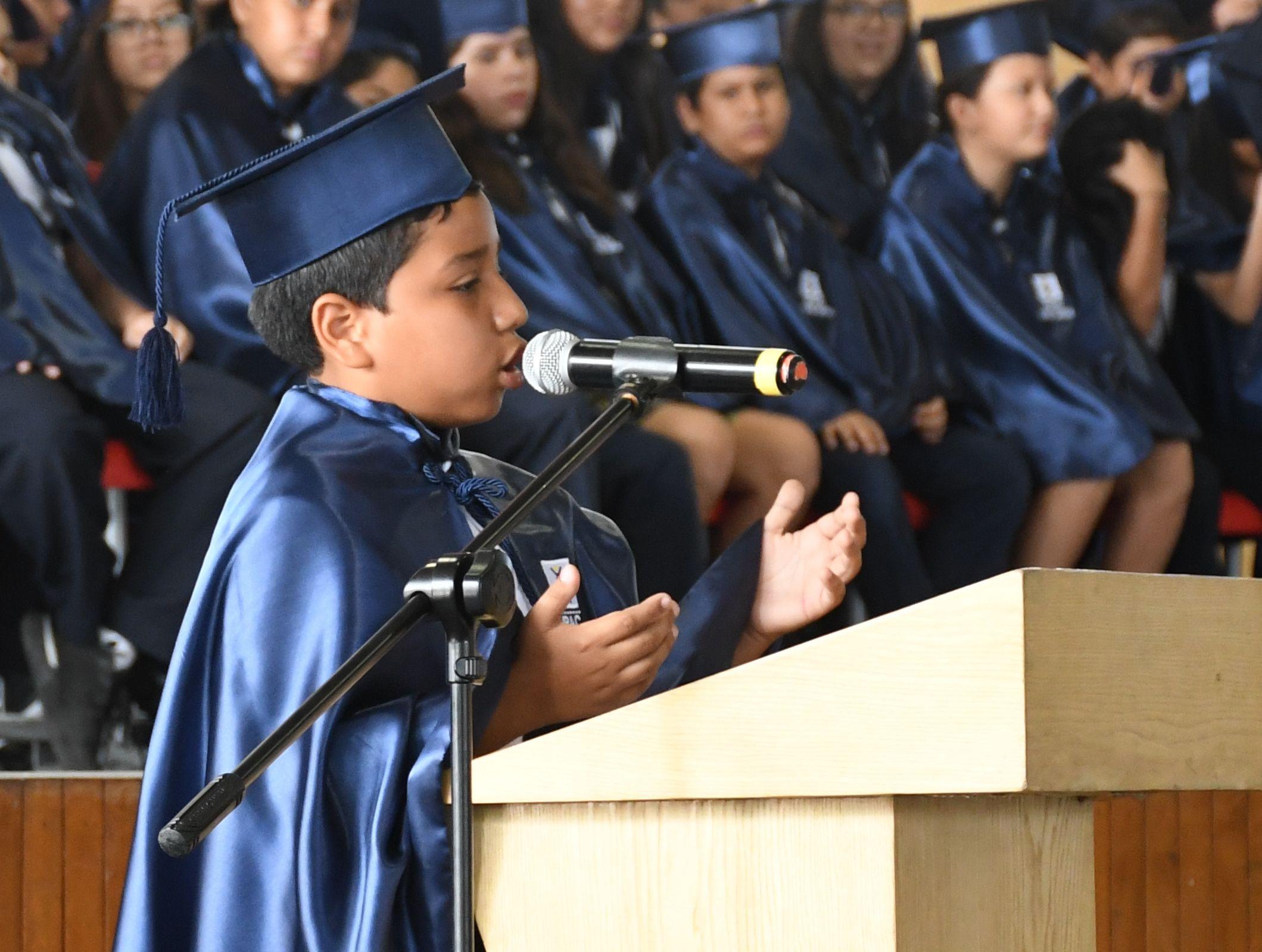 Intervenci¢n especial del estudiante Marcos Romero Zajia estudiante con el m†s alto Promedio en su Trayectoria Estudiantil