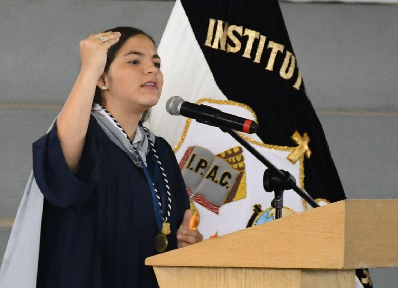 Mejor Alumna FrancÇs Cristina Alicia Molina Nazur