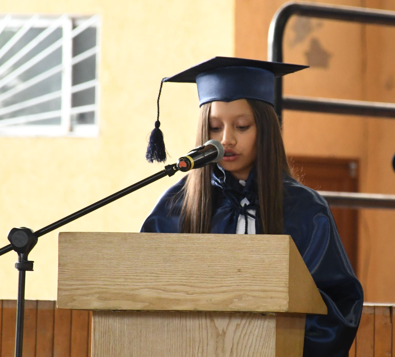 Oraci¢n a cargo de la estudiante DomÇnica Cordovilla Figueroa 7¯ EGB C