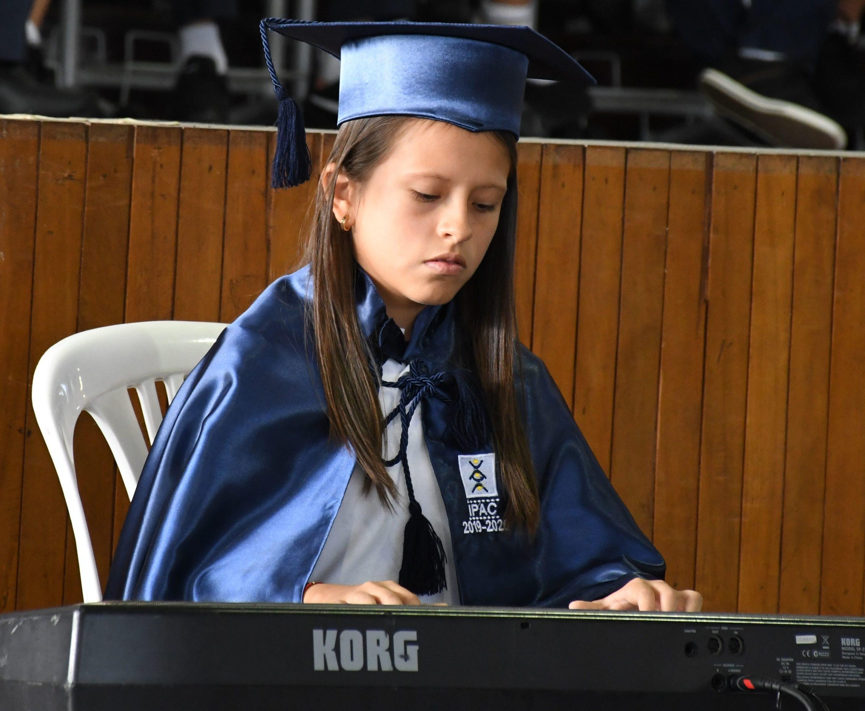 Participaci¢n musical en Piano Cl†sico Miriam Carrera Aguirre de 7¯ EGB G